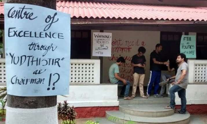 ftii calm after ghearo of director by students