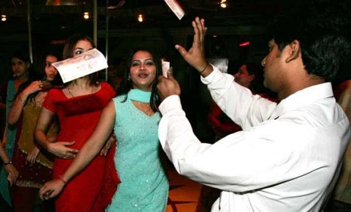 dance bars in maharashtra to reopen as sc stays ban