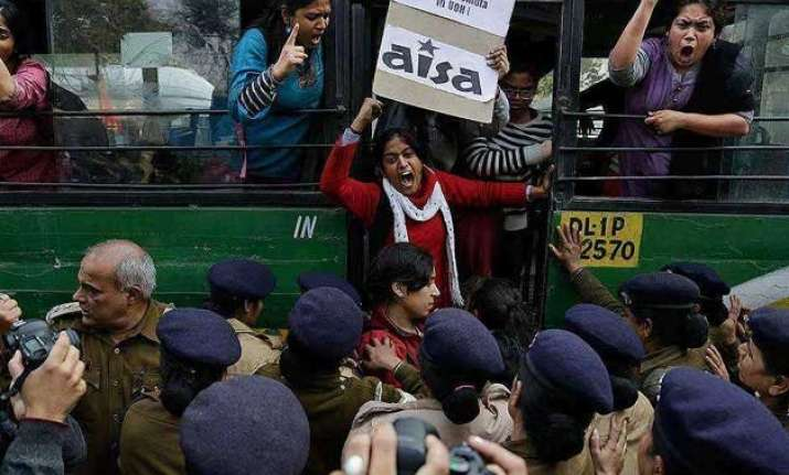 delhi police under fire for brutally thrashing women