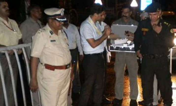 nia team visits blast site in burdwan to ascertain