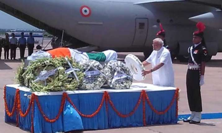 dr. abdul kalam s mortal remains flown to delhi for last