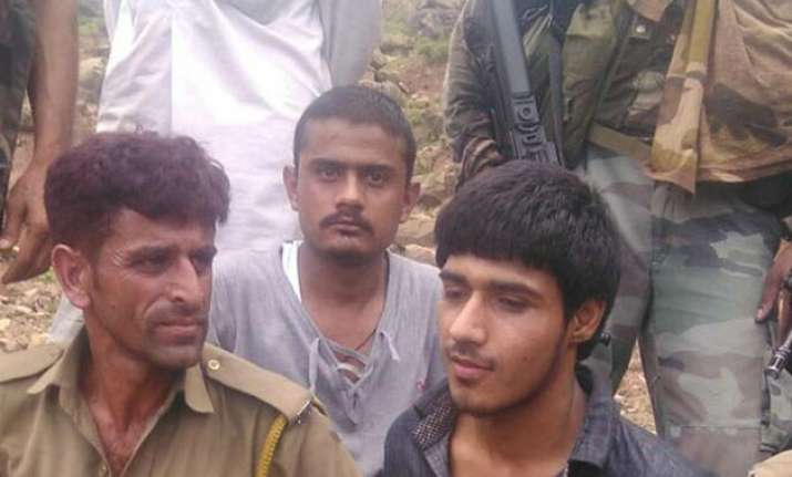 i am the unfortunate father of terrorist naved claims a pak