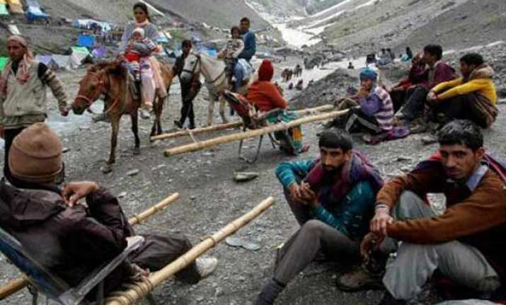 amarnath yatra resumes after 2 days of suspension
