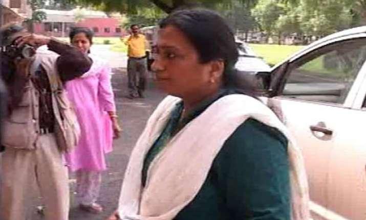 geeta johri alleges cbi pressure to implicate politicians