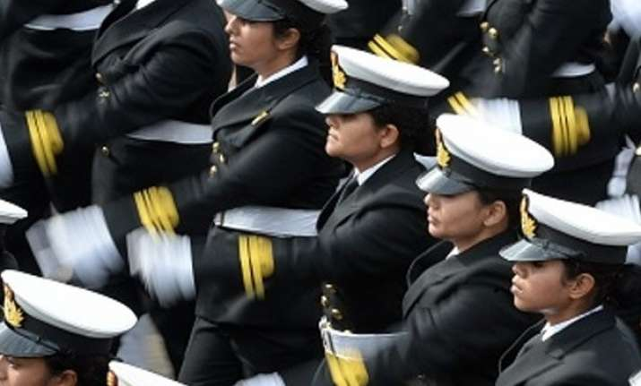 navy pitches for women pilots but no combat role yet