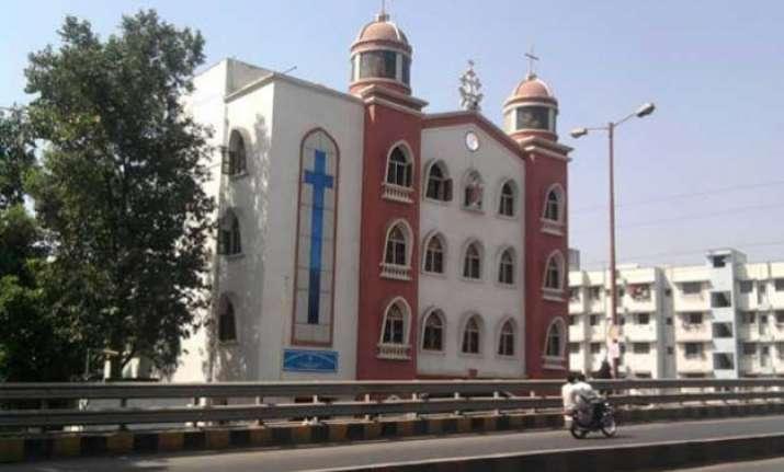 miscreants attack church in navi mumbai incident caught on