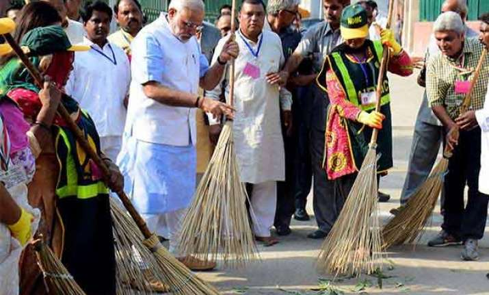 rs 94 crore spent on advertisements of swachch bharat