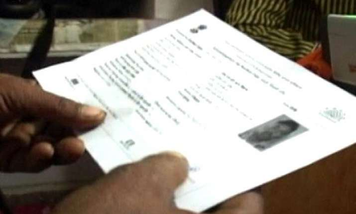 number of delhiites enrolled for aadhaar more than city