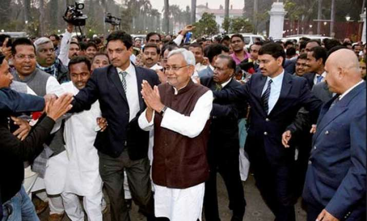 nitish kumar to launch signature drive over pm s dna remark