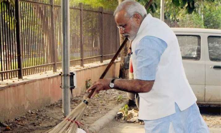 india inc. pumps rs 1k crore in modi s swachh bharat abhiyan