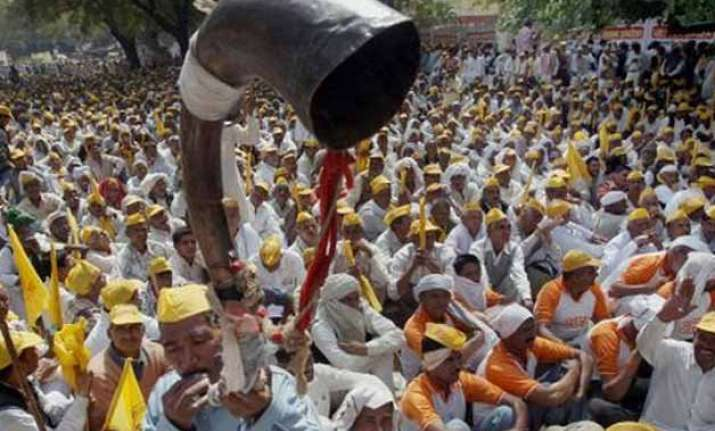 jats to cut supplies to delhi if reservation not