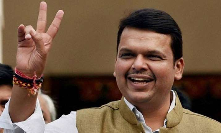maharashtra cm devendra fadnavis promises houses for all