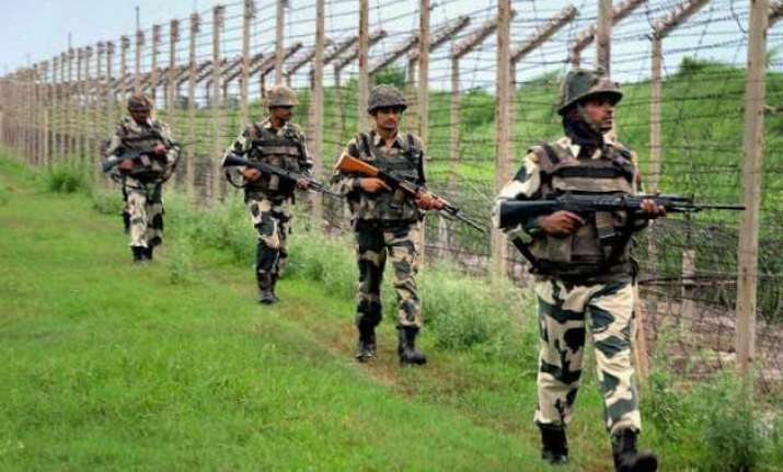 india pakistan exchange heavy fire on loc