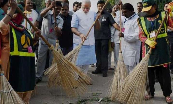 foreigners living in india laud clean india drive