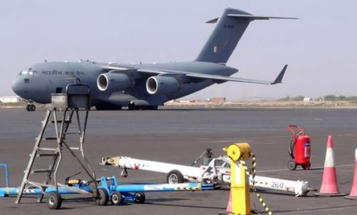 govt to end air evacuations from yemen today over 4000