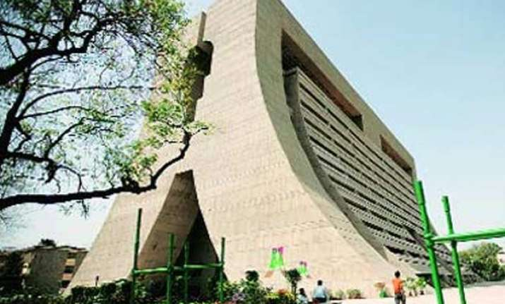 ndmc to give rebate in utility expenditure to consumers