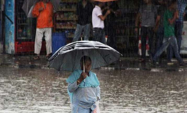 j k rains 221 families shifted to safer places in budgam