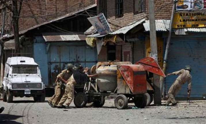 curfew in parts of srinagar