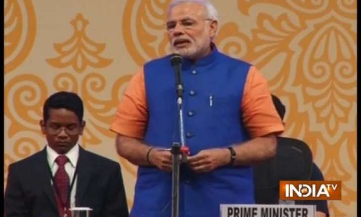 narendra modi underlines the importance of self sufficiency