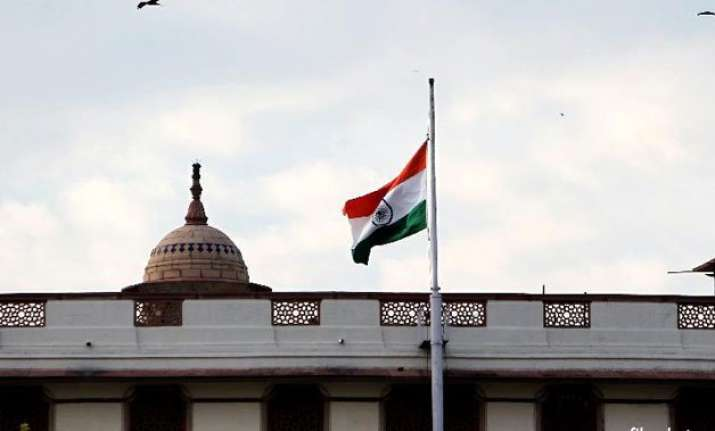 tricolour flown at half mast as tribute to lee kuan yew