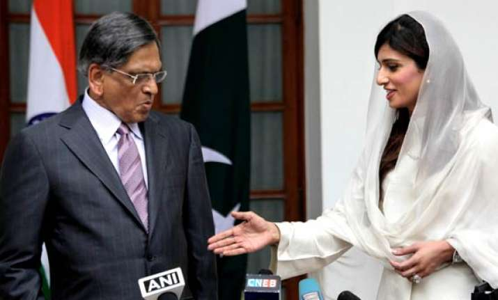 india pak agree on more loc travel and trade in kashmir