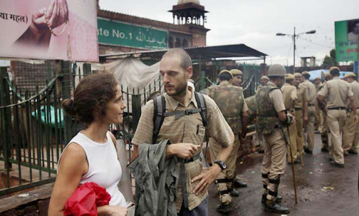 india tells west to be careful about issuing travel alerts