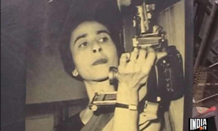 india s first woman photo journalist homai vyarawala dead