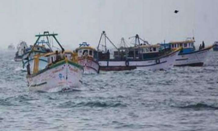 28 indian fishermen captured by pakistan agency 5 boats