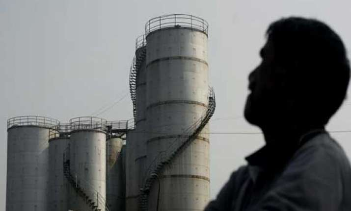 iraq crisis no panic yet but indian oil companies asked to