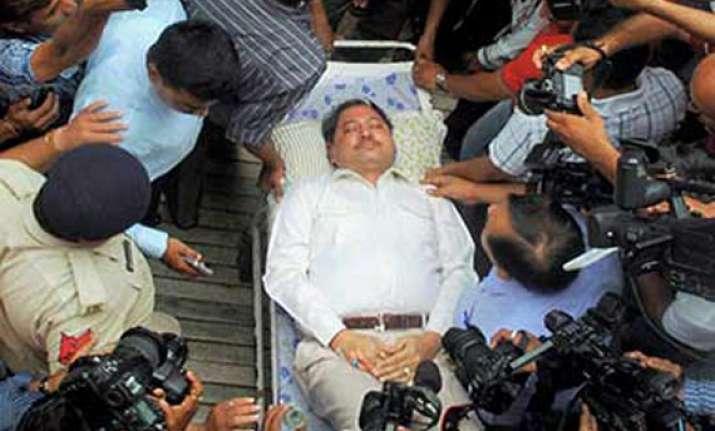 ishrat top cop arrives in court on stretcher gets relief