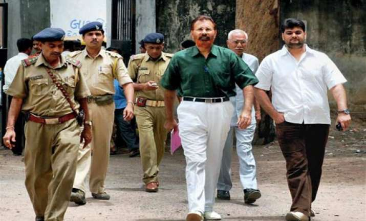 ishrat case court grants permission to arrest vanzara