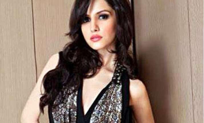 jaipur girl koyal rana crowned 51st femina miss india
