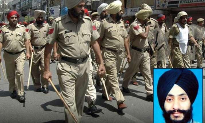 jalandhar police arrests jaspreet who threw acid on wrong