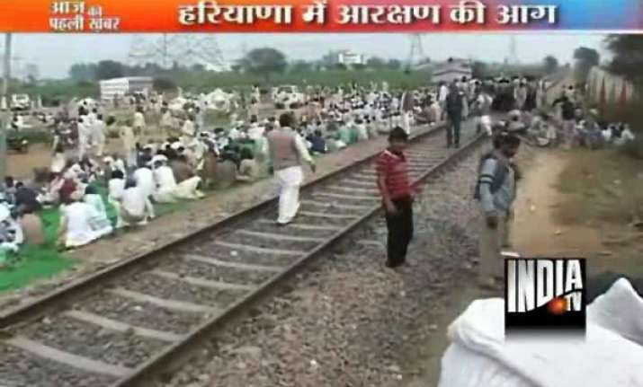 jat protesters block rail traffic in haryana