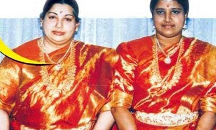 jayalalitha expels close aide sasikala from aiadmk