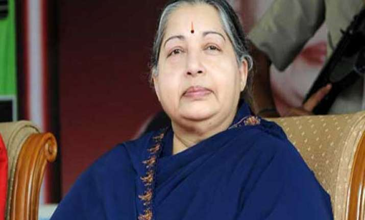 jayalalithaa urges pm to give visa to un team