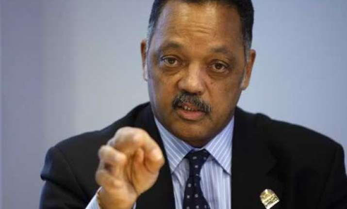 jesse jackson urges iim students to free india of poverty