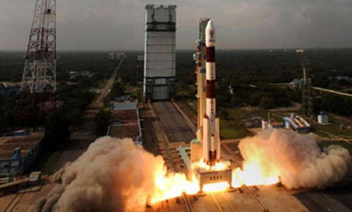 jitendra singh says india s mars mission on schedule