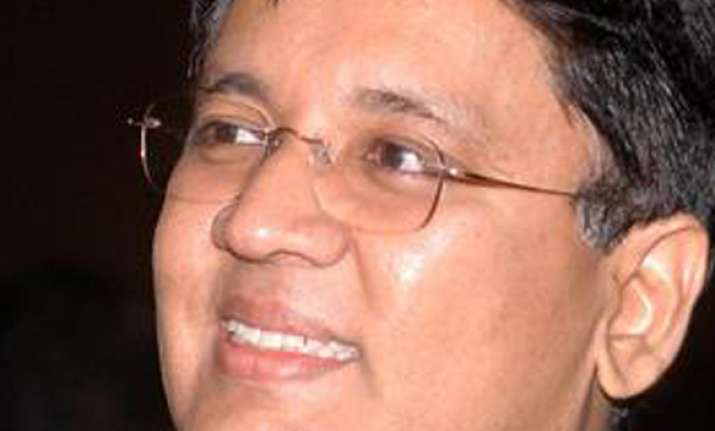 kalanidhi maran granted more time to appear before police