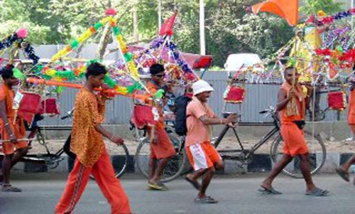 kanwariya pilgrim killed over 10 injured as car runs over