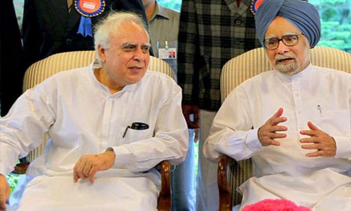 kapil sibal meets pm after sc judgement