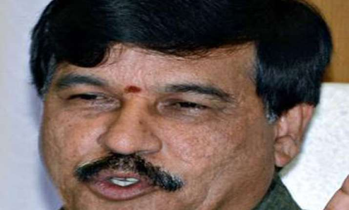 karnataka ex minister recovering after suicide bid