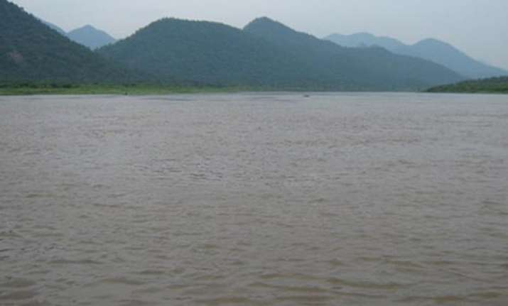 karnataka for re fixing cauvery water share
