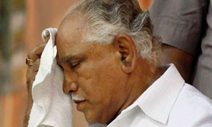 karnataka minister weeps faints inside courtroom