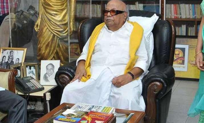 karunanidhi demands bharat ratna for dmk founder annadurai