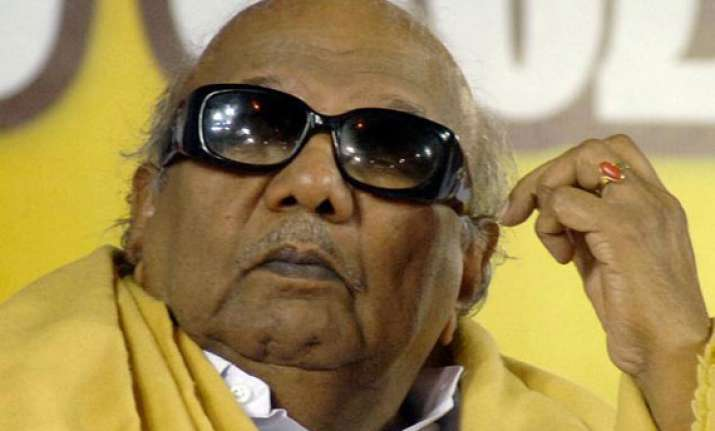 karunanidhi s daughter kanimozhi admitted to hospital