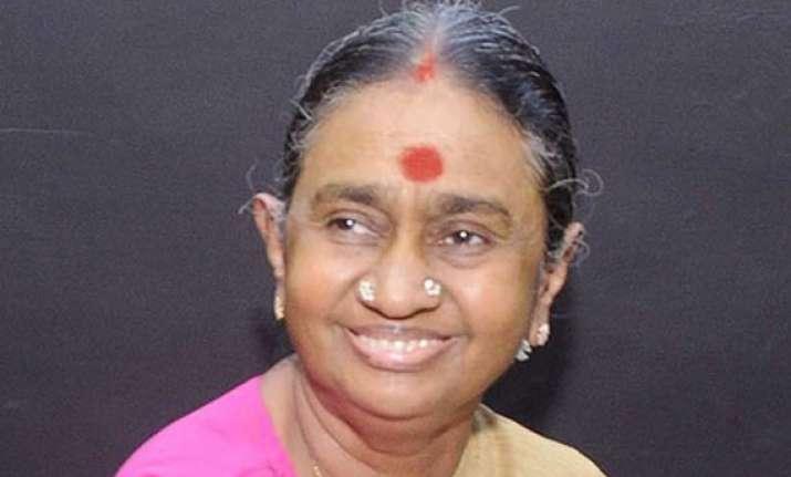 karunanidhi s wife dayalu ammal hospitalized