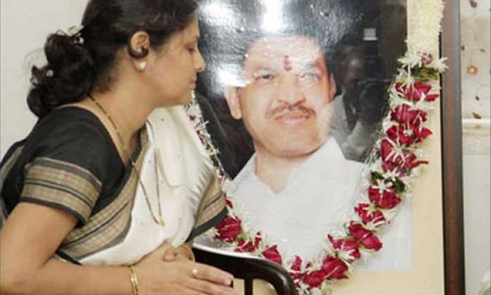 kasab s hanging is a homage to my husband says smita