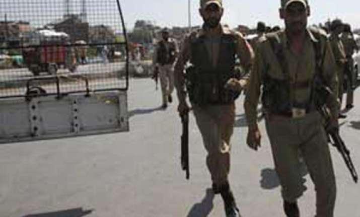 kashmir police cadets turn violent