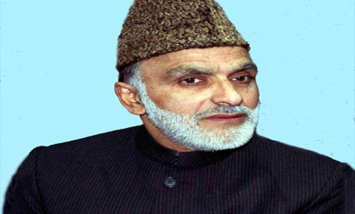 kashmir law minister survives attack policeman killed